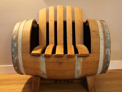 Kien met hout meubelen